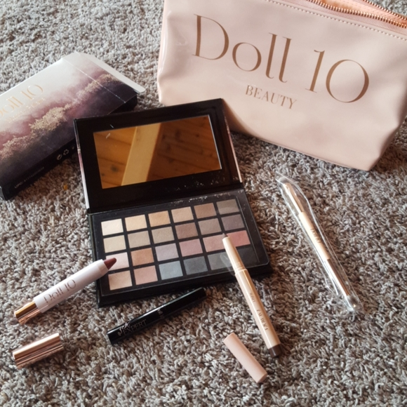 Easy makeup summer essentials